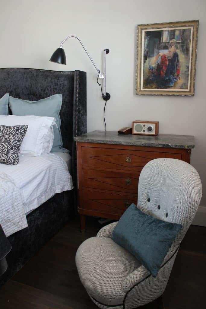 Hampton Bedhead in Velvet Gate Tuxedo