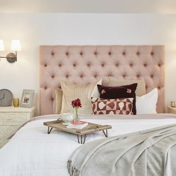 Kensington in Villano Blush Linen