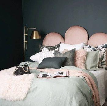 Poppy bedhead in Chateau Marshmellow Velvet1
