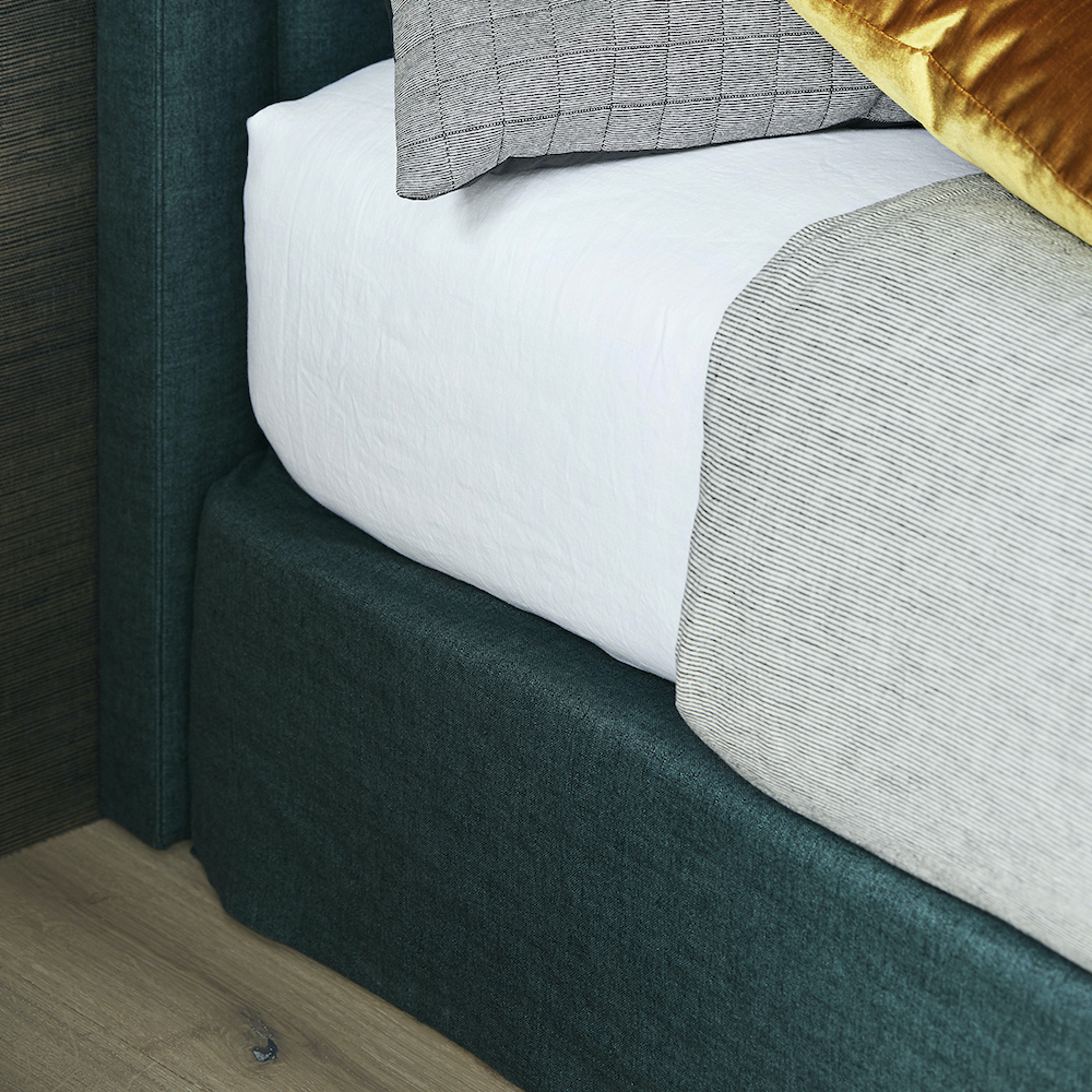 Finley bed head with coordinating valance